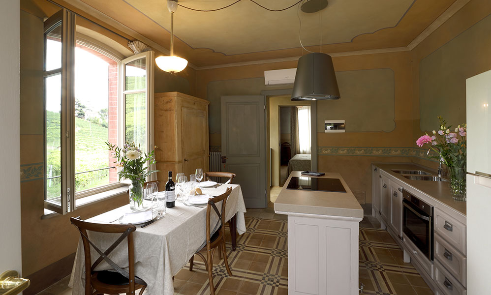cucina-villa-vacanze-barolo